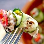 Gegrillte Zucchini-Röllchen mit Mandelcreme