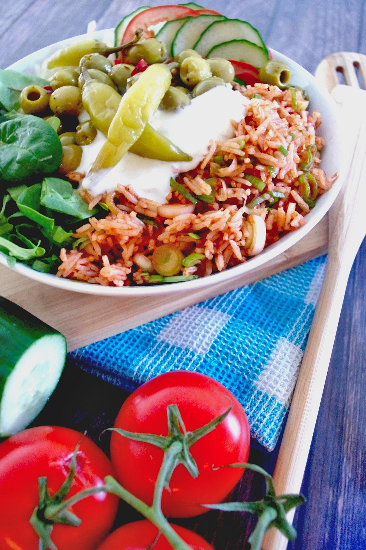 Griechisch-inspirierte Salatbowl