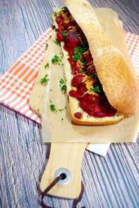 Veganes Meatball-Sandwich