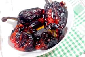 Zubereitung gegrillter Paprika, Antipasti