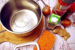 Zubereitung des roten Linseneintopf (Rotes Indisches Dal)