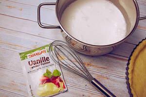 Zubreitung von Vanilletarte mit Kirschen