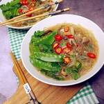 Chinesische Glasnudelsuppe mit Pilzen (Umami-Suppe)