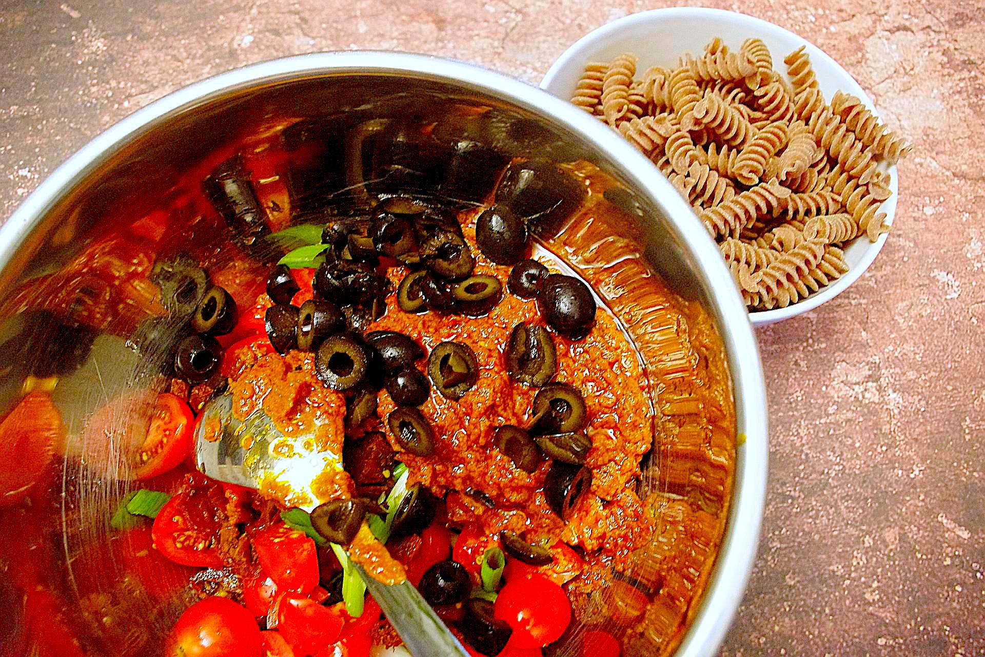 Zubereitung von italienischem Nudelsalat