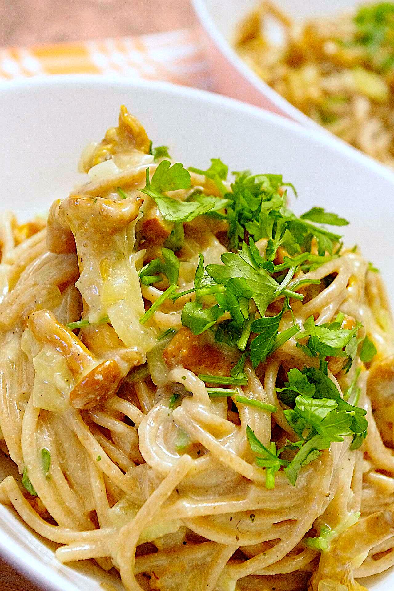 Spaghetti in Pfifferling-Rahm
