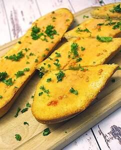 Knoblauch-Tomaten-Baguette