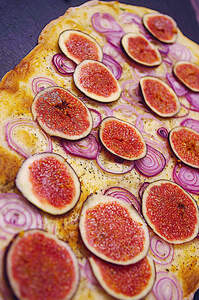 Knuspriger Flammkuchen mit Feigen auf Pinterest
