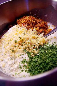 Zubereitung von frischem Zwiebelbrot