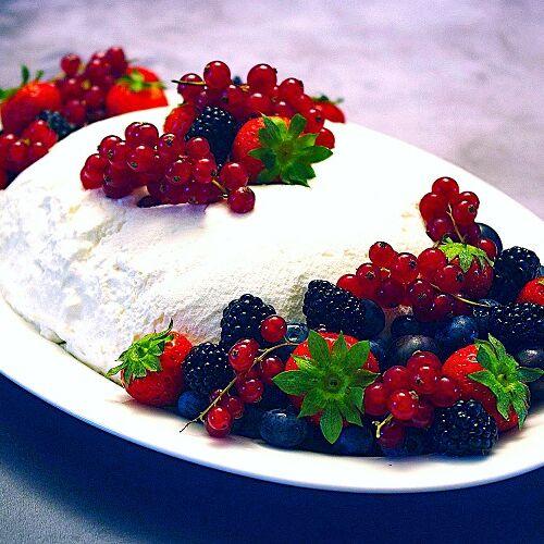 Joghurtbombe mit Beeren