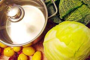 Zubereitung von Pfeffer-Kohl-Pfanne