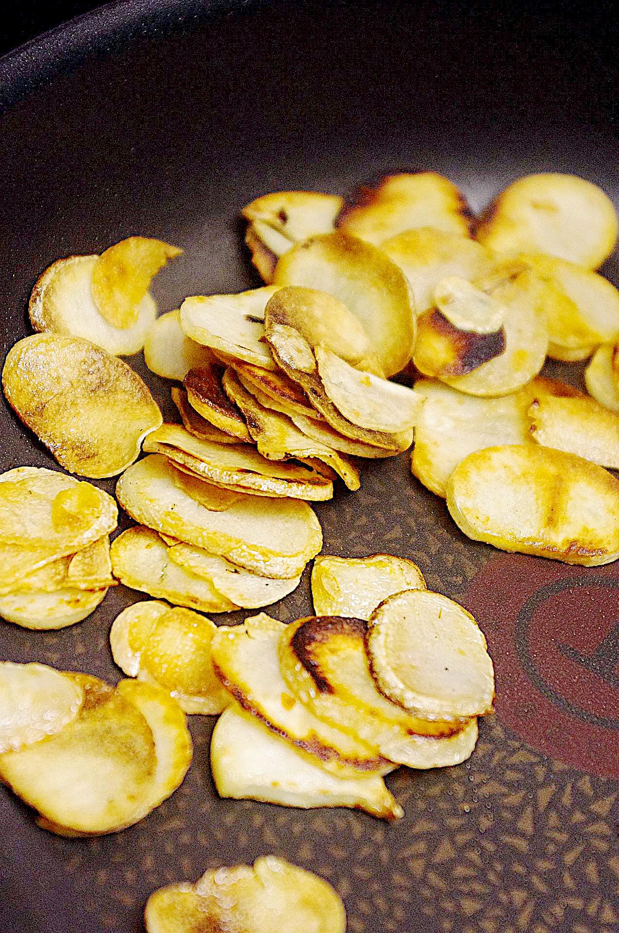 Zubereitung von Knoblauchchips