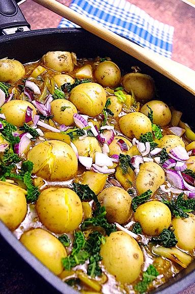 Pfeffer-Kohl-Pfanne mit Kartoffeln