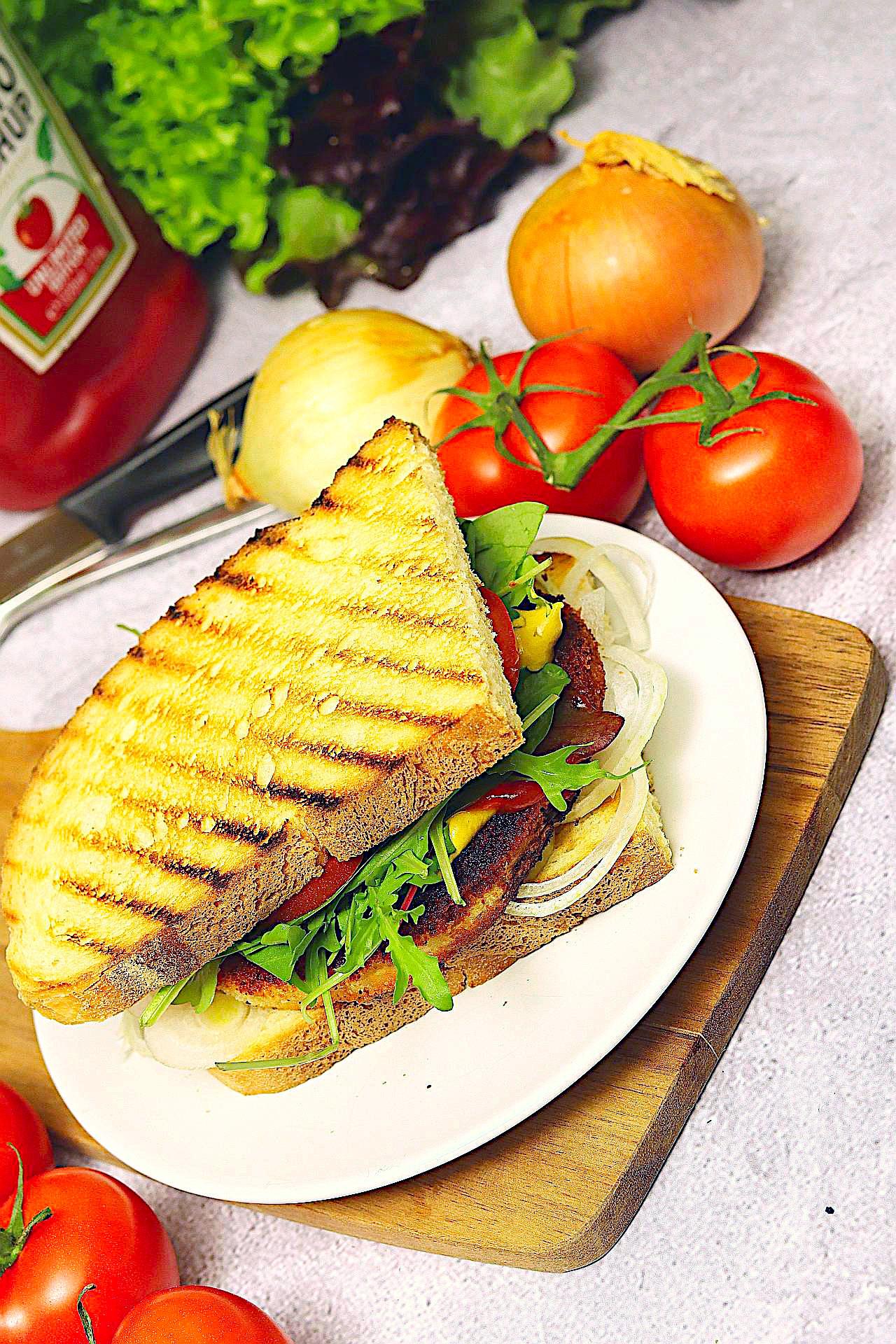 Veganes Schnitzelsandwich