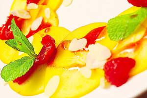 Süßes Kaki-Carpaccio