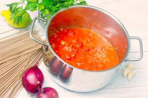 Zubereitung von cremiger One-Pot-Spaghetti, One-Pot-Pasta Vegan