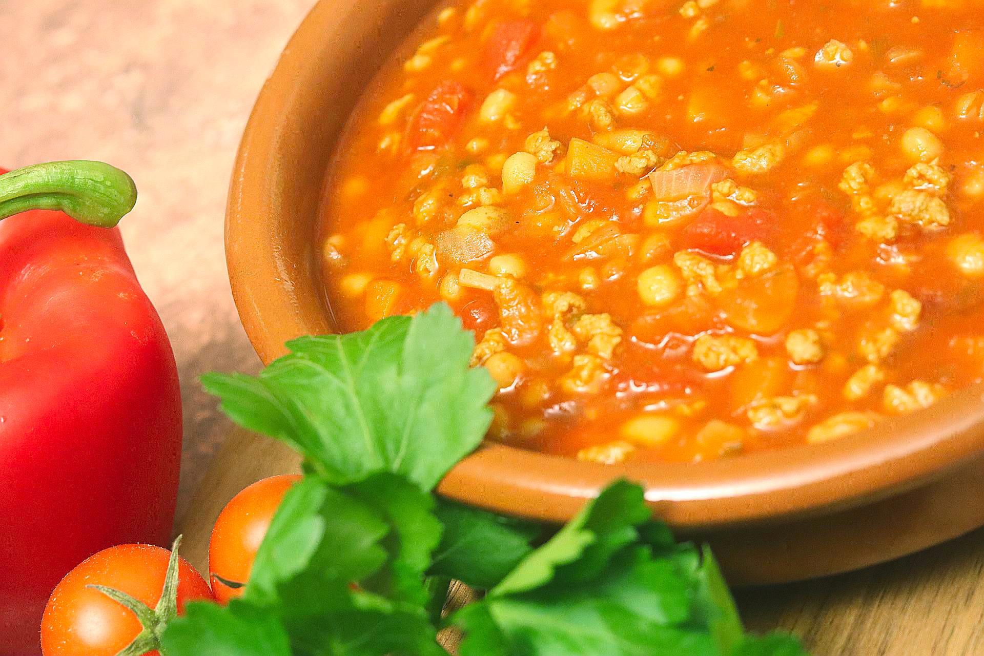 Serbische Bohnensuppe, Vegan, Naheaufnahme