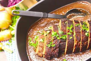 Veganer Schweinebraten aus Seitan, vegane Bratensauce ohne Fix