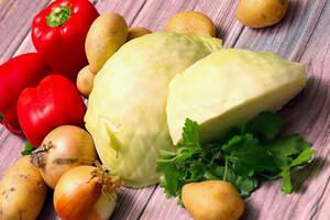 Zutaten für Paprika-Kohl-Eintopf