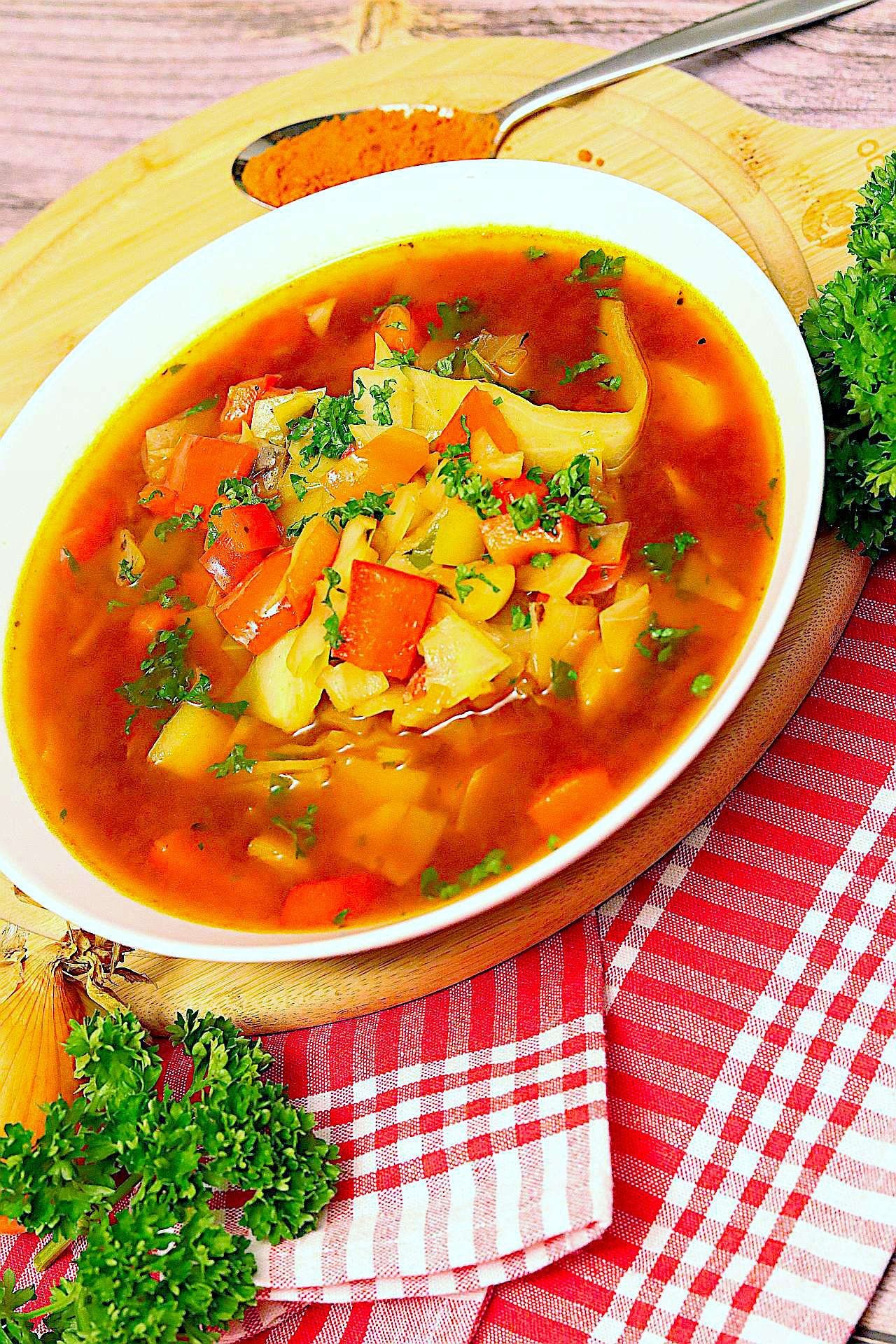 Paprika-Kohl-Eintopf, vegan und herzhaft