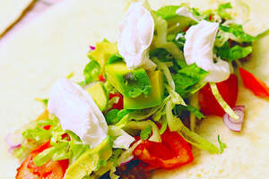 Zubereitung von veganen Chimichanga