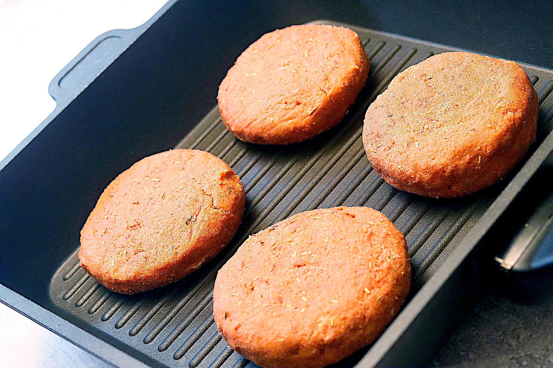 Zubereitung von veganen Bifteki