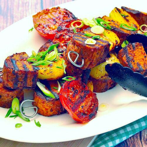Vegane Fleischspieße in Paprika
